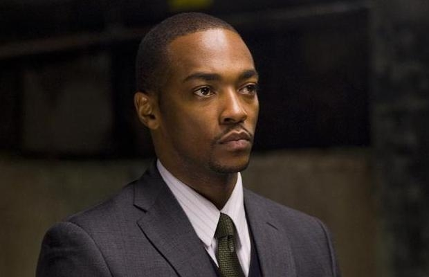 """'Captain America' Actor Anthony Mackie Thinks Trump """"Worked His Way Up From Nothing"""""""