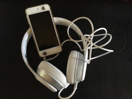 Apple Pisses Off Customers By Killing iPhone 7 Headphone Jack