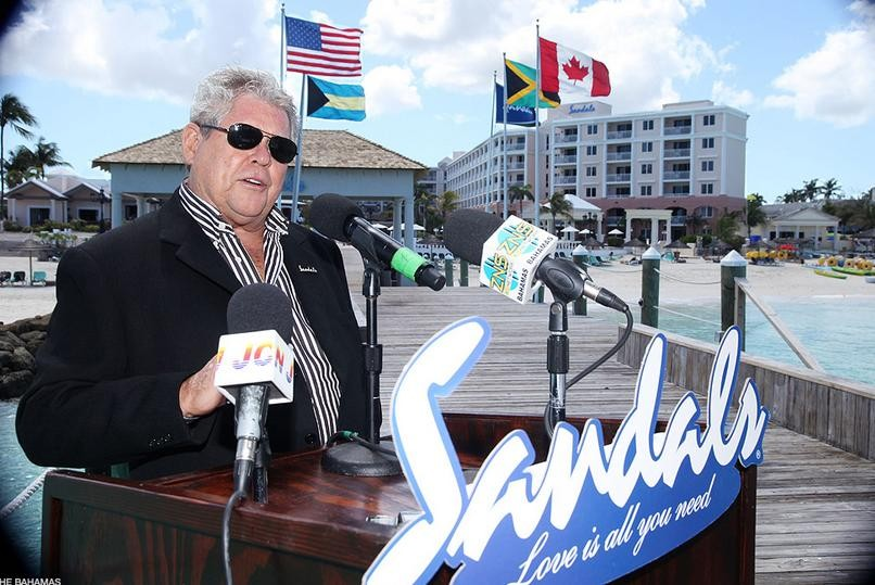 "Jamaican Hotel Tycoon Says Donald Trump Is Not ""Crazy, Prejudiced Or A Bigot"""