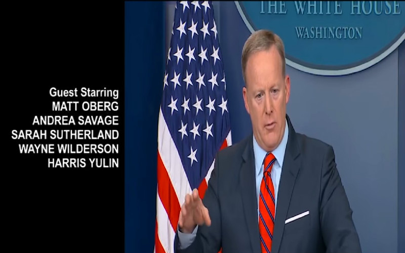 'Feels Like An Emmy Winning Episode': Julia Louis-Dreyfus Tweets 'Veep' Mashup Of Spicer's Hitler Gaffe