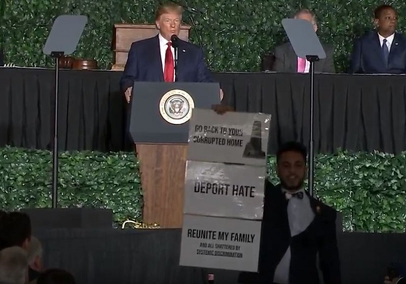'Virginia Is Our Home!' State Delegate Interrupts Trump's Jamestown Speech to Protest 'Racist-in-Chief'