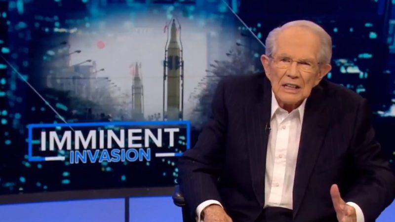 Pat Robertson Says Trump's in 'Danger of Losing the Mandate of Heaven' Over Syria Pullout