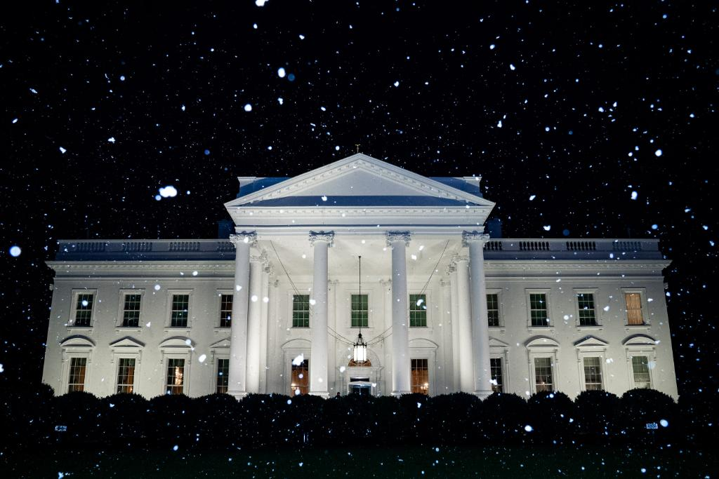 White House Mocked for Falsely Claiming It Was Snowing in D.C.