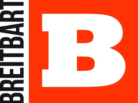 """Breitbart Staffers Quit, Claim News Site Is Now A """"Super PAC For The Trump Campaign"""""""
