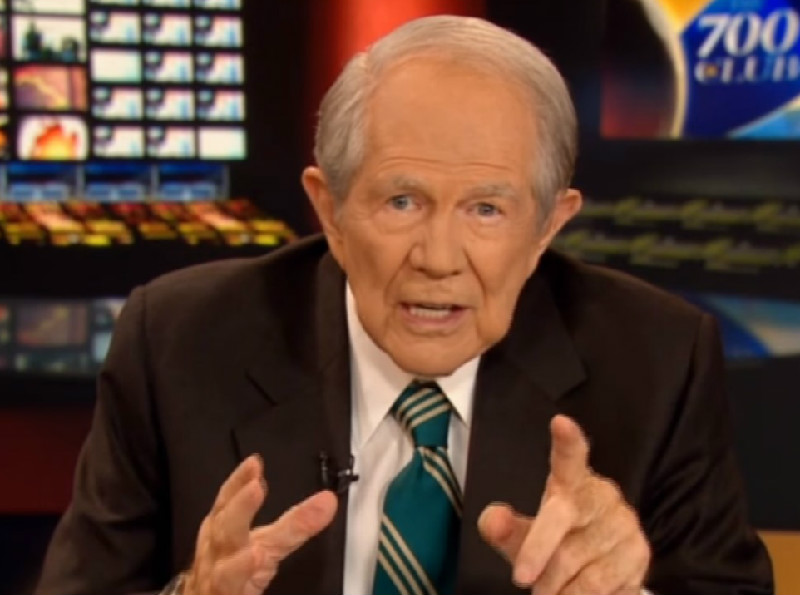 Pat Robertson Wants Gays And Muslims To Kill Each Other Because It Will Upset Liberals