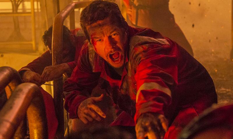 'Deepwater Horizon' Shows An Oil Rig Violently Blow Up, But Little Else