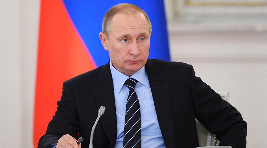 Vladimir Putin: Donald Trump Is A 'Clever Man' And 'A Statesman'