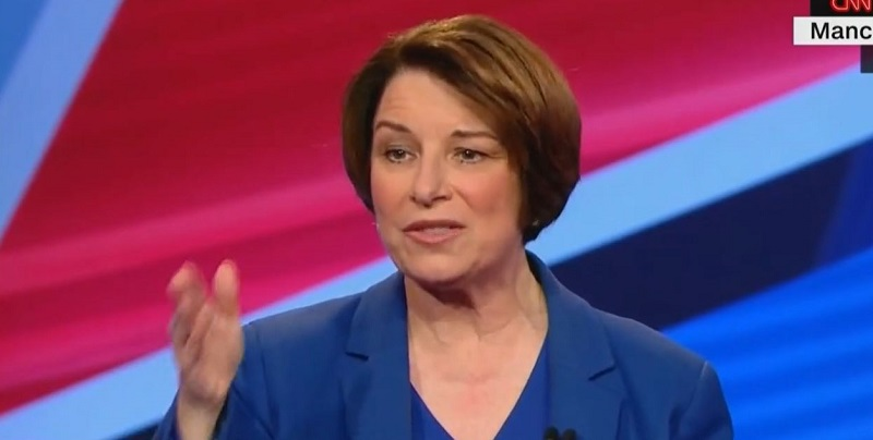 Amy Klobuchar Goes Full Jeb Bush, Has 'Please Clap' Moment During CNN Town Hall