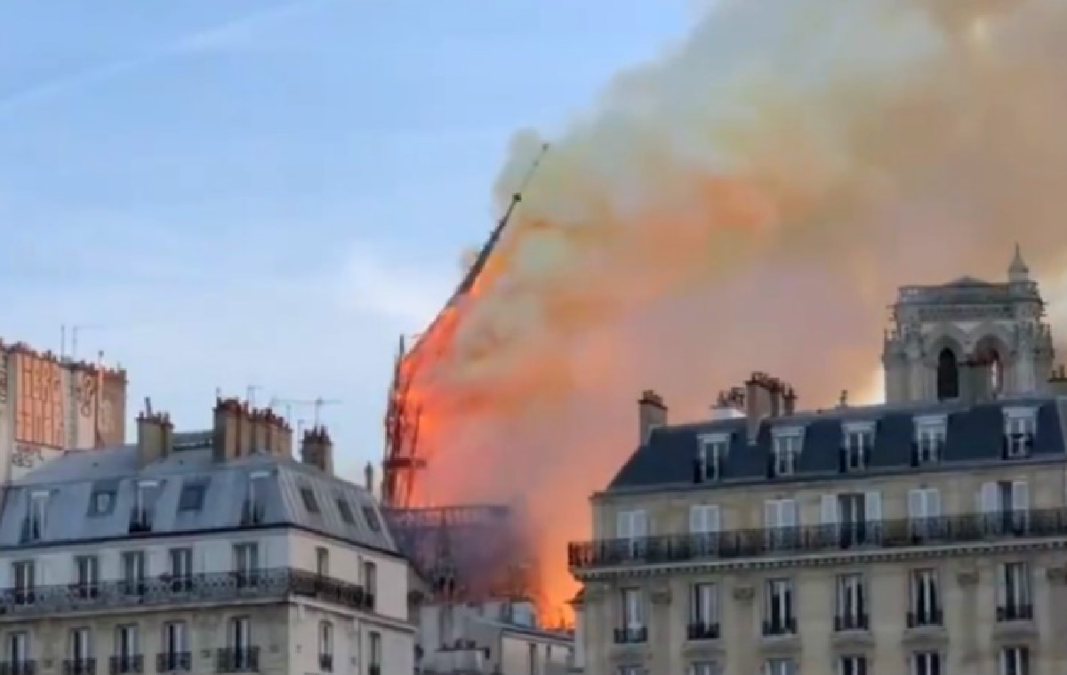 Notre Dame's Spire Collapses as Raging Inferno Engulfs Historic Church