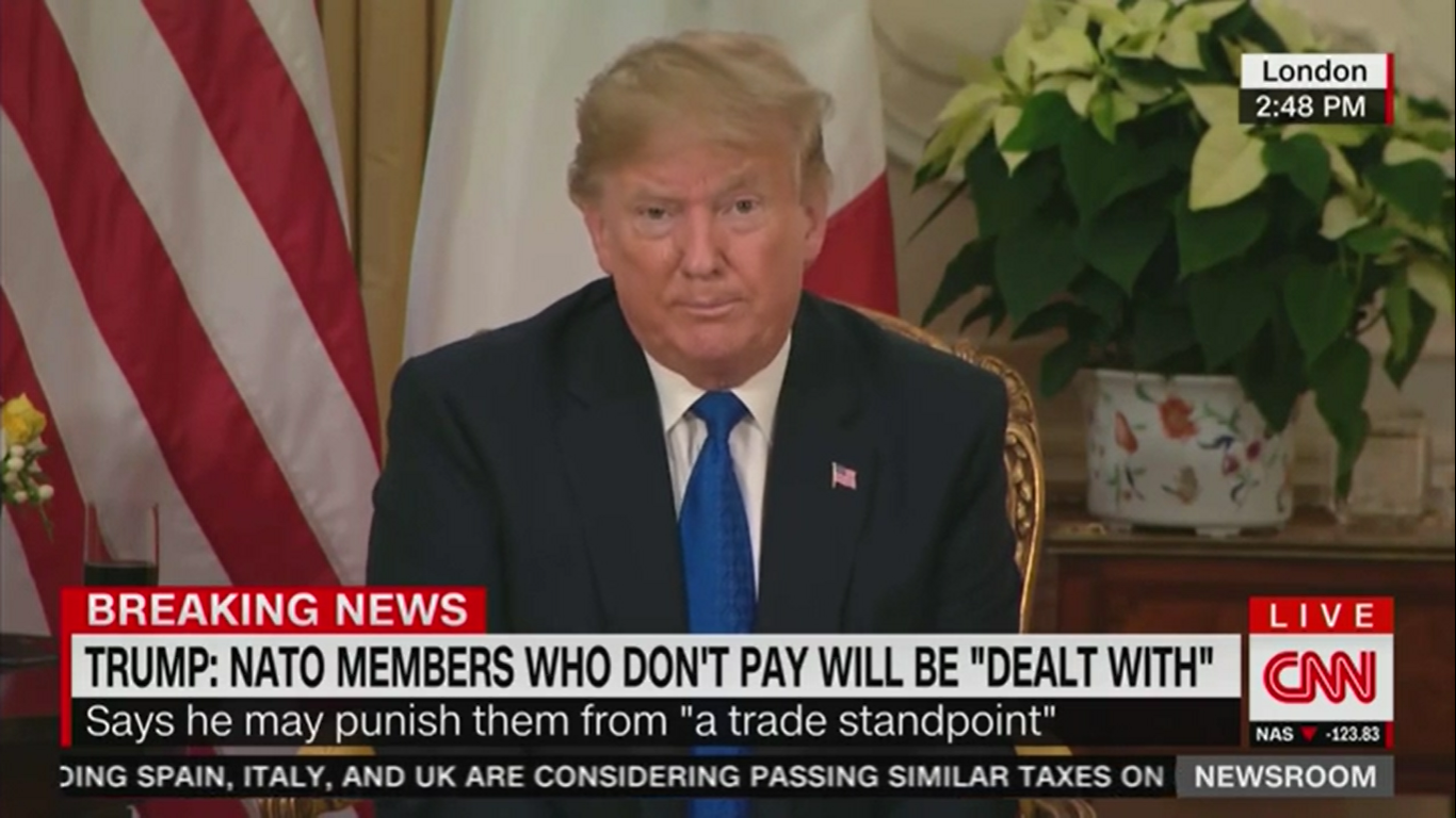 Trump Contradicts Mike Pompeo: U.S. Doesn't Support Protesters in Iran