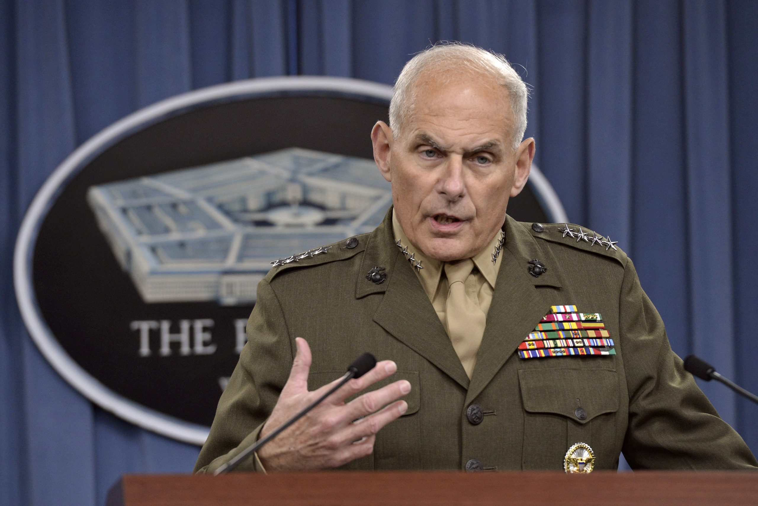 John Kelly Defends Mattis, Says Trump Is 'Confused' About Former Defense Secretary's Exit