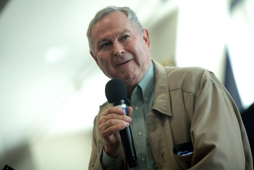 Dana Rohrabacher Says He Offered Julian Assange Trump Pardon for Evidence Russia Didn't Hack DNC